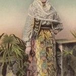 Another splendid Romanian costume in 1907  from Muntenia with its breathtaking details . Any princess in this world wold be happy to wear such a masterpiece .
