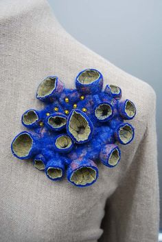 Beautiful hand felted brooch with wonderful purple- blue colours and an amazing ,organic surface. The brooch is made from soft hand dyed merino Textile Jewelry, Fabric Jewelry, Jewelry Art, Jewelry Design, Felted Jewelry, Textiles, Textile Fiber Art, Felt Brooch, Brooch Pin