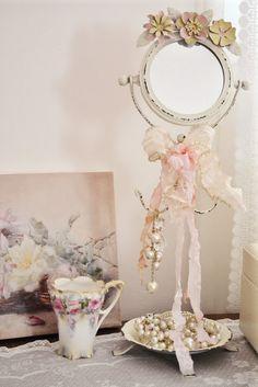 Jennelise  Shabby Chic Romantic Cottage <3