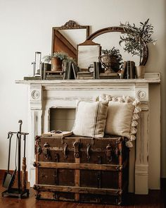Most current Pic old Fireplace Decor Popular Fireplace decorating is why is the fireplace one of many home's most critical showcases. Vintage Fireplace, Fireplace Mantle, Antique Fireplace Mantels, Mirror Above Fireplace, Vintage Mantle, French Country Rug, French Country Decorating, French Country Fireplace, Vintage Country