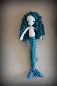 Check out this beautiful piece of art a friend of mine made! ( aqua blue bamboo hair and by cc Pinto Johannes Horn Anne Bloem Grobbelaar Kritzinger Mermaid Toys, Cute Mermaid, Bamboo Hair Products, In The Pale Moonlight, Fabric Scraps, Aqua Blue, Sewing Projects, Art Pieces, Plush