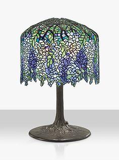 A WISTERIA TABLE LAMP, CIRCA 1905