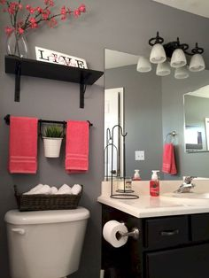 Cool small master bathroom remodel ideas (44)