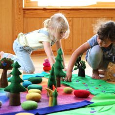 Filzkiesel_alle_02_web Pediatric Ot, Kiesel, Kids Rugs, Decor, Seasons Kindergarten, Felt Tree, Learning Games, Felting, Decorating