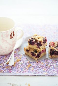 mulberry and rhubarb crumb cake