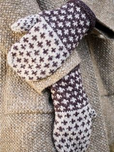 */ These mittens are knit using two colors of Berroco Tuscan Tweedin an easy-to-knit colorwork pattern.