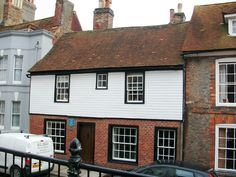 5 High Street Hastings Gabriel and Lizzie stayed here in 1854 Hastings East Sussex, John Ruskin, The Heart Of Man, Arts And Crafts Movement, William Morris, Gabriel, Followers, Fine Art, Embroidery