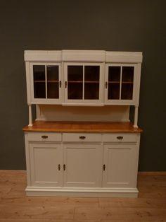Antiker Jugendstil Küchenschrank, Fichte weiß lasiert um 1910