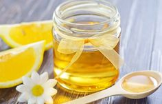 How To Stop A Runny Nose - Honey And Lemon Homemade Face Pack, Face Scrub Homemade, Honey Lemon Water, Homemade Cough Syrup, The Doctor, Honey Benefits, Honey And Cinnamon, Peeling, Junk Food