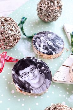 Whether you love rustic or elegant decor, everyone loves a good photo ornament! We'll show you how to make your own wood photo ornaments. Perfect as a gift!