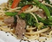 STIR FRY WITH LINGUINE, BEEF & VEGETABLES: No reason to skip on a great stir fry with diabetic friendly recipe  #vegetables #diabetic #beef