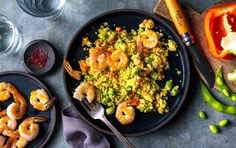 """This low-carb version of paella is quick and easy, unlike normal paella recipes. The cauliflower """"rice"""" takes on a golden glow, thanks to… Keto Recipes, Dinner Recipes, Cooking Recipes, Healthy Recipes, Healthy Meals, Dinner Ideas, Bariatric Recipes, Protein Recipes, Healthy Protein"""