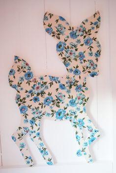 @Heleen Van Valckenborgh Boertje (als je het leuk vind) kunnen wij zulke decoraties maken voor in Ayla's kamer :) Ik heb wat stof over!