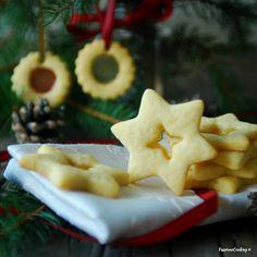 Biscotti di Natale con vetrino  http://blog.giallozafferano.it/passionecooking/biscotti-natale-vetrino/