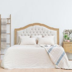 Bedroom Furniture, Shabby, Decor Ideas, Decoration, Home Decor, Couple Room, Rustic Style, Diy Wall Decorations, Wood Beds