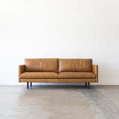 Tips That Help You Get The Best Leather Sofa Deal. Leather sofas and leather couch sets are available in a diversity of colors and styles. A leather couch is the ideal way to improve a space's design and th Tan Sofa, Brown Sofa, Black Leather Sofas, Leather Lounge, Home Bar Accessories, Corporate Interiors, Man Cave Home Bar, Modular Sofa, Fabric Sofa