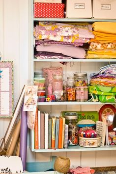 Organized clutter.  This would be me.