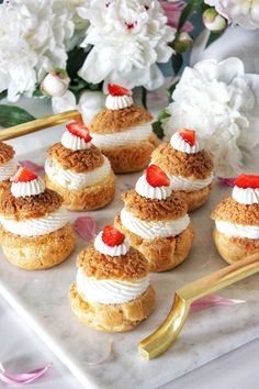 Ízből tíz Cakes And More, Other Recipes, Cheesecake, Food, Cheesecakes, Essen, Meals, Yemek, Cherry Cheesecake Shooters