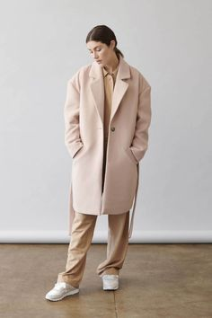 BRB, Shopping Every New Piece from the Elizabeth and James Collection at Kohl's - trendyfashify. Best Smart Casual, Smart Casual Women, Fashion 2020, Teen Fashion, Fashion Ideas, Current Fashion Trends, Fashion Updates, Elizabeth And James, Kohls