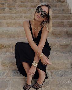 Hanging like a pro 😎🐒 Sonia Rykiel, Zara, Total Black, Pumps, Trends, Shorts, Bottega Veneta, Style Guides, Street Style