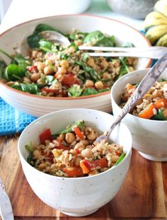5 Ingredient Friday: Roasted Capsicum, Brown Rice, and Chickpea Salad | Thoroughly Nourished Life | gluten free | vegetarian | Five Ingredients and 30 minutes are all it takes to create this hearty, lunchbox meal!
