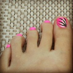 Summer toes bestie would love this!!