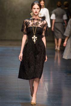 Sfilata Dolce & Gabbana Milano - Collezioni Autunno Inverno 2013-14 - Vogue