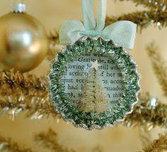 DIY Tutorial - Bottle Cap Ornament With Tiny Bottle Brush Tree. I usually don't care for bottle cap crafts, but this is adorable! Winter Christmas, Vintage Christmas, Christmas Holidays, Christmas Carol, Christmas Projects, Holiday Crafts, Christmas Ideas, Beautiful Christmas Decorations, Bottle Cap Crafts