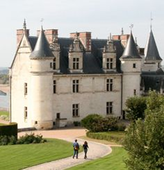 Medieval French castles on the Loire river | Travel Blog