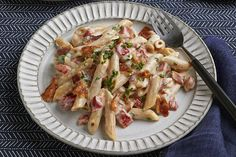 Serve up our Bacon Alfredo Penne Pasta for a flavorful entre at tonights dinner. Our creamy Bacon Alfredo Penne Pasta is made with whole wheat pasta, bacon crumbles, roasted red peppers and Neufchatel cheese. Kraft Recipes, New Recipes, Dinner Recipes, Recipies, Pasta With Alfredo Sauce, Steak Alfredo, Fettuccine Alfredo, Alfredo Recipe, Chicken Alfredo