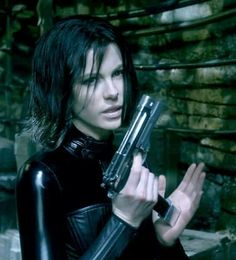 Underworld: Awakening Pictures and Movie Photo Gallery -- Check out just released Underworld: Awakening Pics, Images, Clips, Trailers, Production Photos and more from Rotten Tomatoes' Movie Pictures Archive! Underworld Cast, Underworld Vampire, Underworld Selene, Underworld Movies, Underworld Werewolf, Underworld Kate Beckinsale, Cosplay Tumblr, Rhona Mitra, British Costume