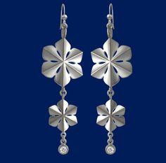 'Snowqueen' earrings by Taigakoru: Silver & zirconia Jewelry Shop, Belly Button Rings, Silver Earrings, Jewerly, Bling, Brooch, Watches, Stone, Bracelets