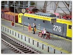 Locomotora eléctrica 276 RENFE. Escala H0.