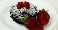 Mennyei Brownie bögrés süti recept! Acai Bowl, Raspberry, Fruit, Breakfast, Food, Acai Berry Bowl, Breakfast Cafe, Essen, Raspberries