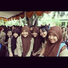 #friends #school #instagood #beauty #smile #together @alifioroulief - @chintyacin- #webstagram