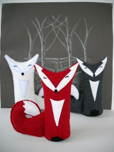 Kids Toy Stuffed Fox in Red, White, or Charcoal gray wool felt. Choose any color. Foxes make sweet and fun little playmates! Waldorf toy....