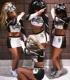 Image about girl in Cheerleading✨ by Inka Emilia Suominen Cheerleading Poses, Cheer Poses, Cheerleading Uniforms, Cheer Stunts, Hot Cheerleaders, Cheer Dance, Cheer Uniforms, Cute Cheer Pictures, Cheer Picture Poses