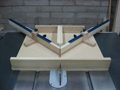This is TOTALLY my next 45° miter sled! Nice work, Jeff! #woodworkingtips #woodworkingideas