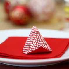 Christmas table gift to make yourself cloth baby Diy And Crafts Sewing, Diy Crafts, Handmade Table, Handmade Gifts, Christmas Gifts, Baby, Spa, Make It Yourself, How To Make