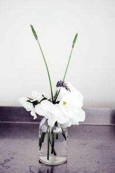 Simple centerpiece. Elegant & modern