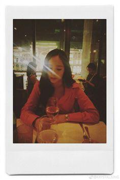 f(x) - Krystal Krystal Jung, Jessica & Krystal, Jessica Jung, Idol, Sulli, Girl Poses, Snsd, Girl Crushes, Movie Stars