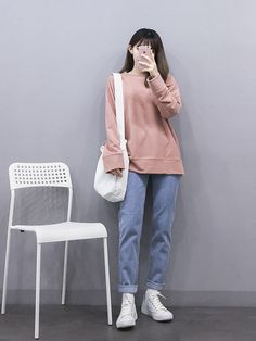 Korean Fashion Trends you can Steal – Designer Fashion Tips Korean Girl Fashion, Korean Fashion Trends, Korean Street Fashion, Ulzzang Fashion, Korea Fashion, Little Girl Fashion, Asian Fashion, Look Fashion, Teen Fashion