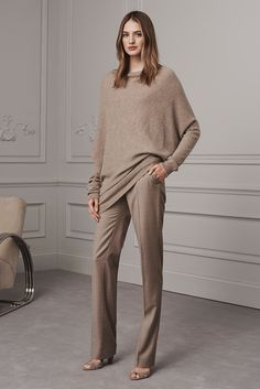 See the complete Ralph Lauren Pre-Fall 2016 collection.