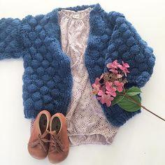 Endelig ferdig med boblejakken fra @ministrikk Så nå kan bare høsten komme... 🌿 Her sammen med høstens By heritage kjole og Rap cognaq sko.
