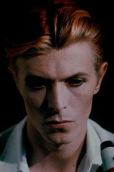 Portrait of David Bowie by Erick Bintang, DeviantArt. Angela Bowie, Mick Jagger, Bianca Jagger, David Jones, Beatles, Duncan Jones, Bowie Starman, I Love Cinema, The Thin White Duke