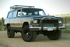 Awesome cut & lifted 1989 Grand Wag with a new pig-nose grille. Love it.
