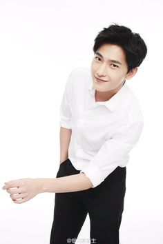 Yang Chinese, Chinese Fans, Chinese Movies, Asian Boys, Asian Men, Asian Actors, Korean Actors, Jing Boran, Yang Yang Actor
