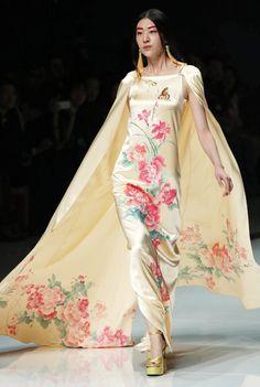 Beijing Fashion Week 2012   ... at China Fashion Week in Beijing October 25, 2012.[Photo/Xinhua