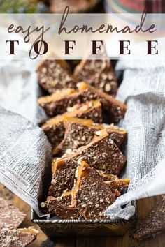 Easy Homemade Toffee Recipe: Made in minutes with just 5 simple ingredients! #toffee #recipe #english #homemade #christmas #butter #chocolate #bark #almond #easy #howtomake #bars #barsrecipe #candy #desserts #pecan #meltinyourmouth #barkrecipes #caramel #recipeeasy #candyrecipe #chocolatebars #dessertrecipes #bakingamoment Gluten Free Desserts, Sweets Recipes, Candy Recipes, Yummy Recipes, Homemade Toffee, Homemade Candies, Homemade Christmas, Christmas Desserts, Christmas Goodies