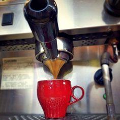 A R O M A  D I  C A F F É   Te invitamos a conocer los variados métodos de extracción y elaboración de cafés que tenemos especialmente para ti en: #AromaDiCaffé  . #MomentosAroma #SaboresAroma #ExperienciaAroma #Caracas #MejoresMomentos #Amistad #Compartir #Café #CaféVenezolano #CaféTurco #Cezve #PrensaFrancesa #Capuccino #LatteArt #Espresso #Coffee #FrenchPress #CoffeePic #CoffeeLovers #CoffeeCake #CoffeeTime #CoffeeBreak #CoffeeAddicts #CoffeeHeart #InstaPic #InstaMoments #InstaCoffee…